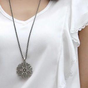NEW Long Art Deco Vintage Style Pendant Necklace